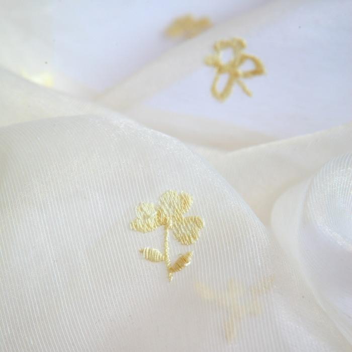 Perdea model floral